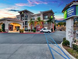 Holiday Inn Express Hotel & Suites Lake Elsinore photos Exterior