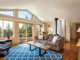 Large Lake View Getaway In Style And Solitude - #101 photos Exterior