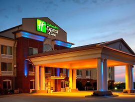 Holiday Inn Express & Suites Vandalia photos Exterior