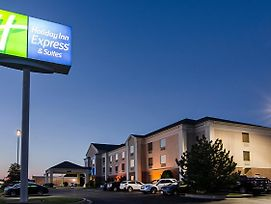 Holiday Inn Express & Suites Vinita photos Exterior