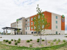 Holiday Inn Express And Suites Ogallala photos Exterior