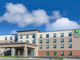 Holiday Inn Express And Suites Atchison photos Exterior