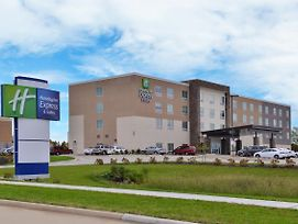 Holiday Inn Express & Suites Marshalltown photos Exterior