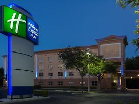 Holiday Inn Express Hotel & Suites Plant City photos Exterior