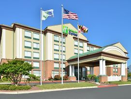 Holiday Inn Express Hotel & Suites Ocean City photos Exterior