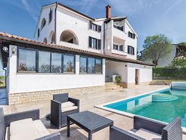 Homely Apartment In Porec With Swimming Pool photos Exterior