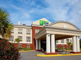 Holiday Inn Express & Suites Quincy I-10 photos Exterior
