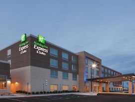 Holiday Inn Express & Suites Sterling Heights-Detroit Area photos Exterior