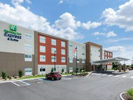 Holiday Inn Express & Suites Ruskin photos Exterior