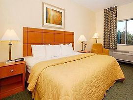 Comfort Inn Lees Summit @ Hwy 50 & Hwy 291 photos Room