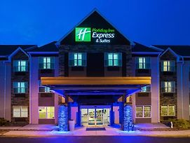 Holiday Inn Express & Suites Wyomissing photos Exterior