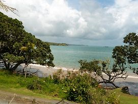 The Blue Bach - Coopers Beach Holiday Home photos Exterior
