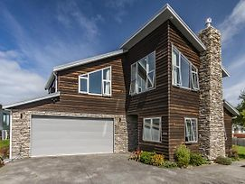 The Timber Manor - Ohakune Holiday Home photos Exterior