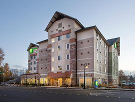 Holiday Inn Express & Suites Seattle South - Tukwila photos Exterior