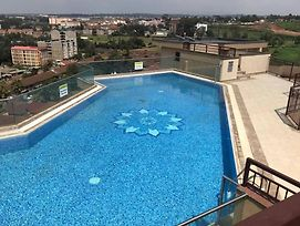 Fully Furnished Apartment With Swimming Pool. photos Exterior