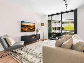 2-Bed Apartment With Balcony Located Near Museums photos Exterior