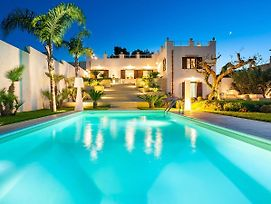 Luxurious Villa In Marausa With Private Pool photos Exterior