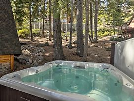 4 Season Lake Tahoe Escape With Deck, Views And Hot Tub photos Exterior