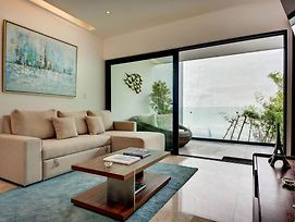 Brand New Classy Condo Just Steps From The Beach photos Exterior