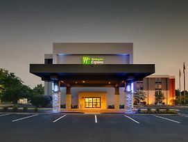 Holiday Inn Express Voorhees - Mt. Laurel photos Exterior