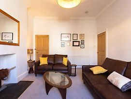Spacious 2 Bedroom Flat In Central Edinburgh photos Exterior