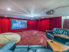 5Br/4.5Ba Sleeps 14 - Luxury Home With Theater photos Exterior