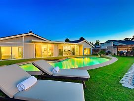 #8588 Slice Of Paradise Five Bedroom Holiday Home photos Exterior
