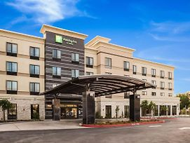 Holiday Inn Hotel & Suites Silicon Valley - Milpitas photos Exterior