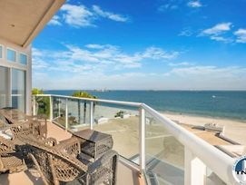 Top Floor Corner Luxury Penthouse Condo With Ocean Views photos Exterior