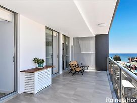Oceans Edge #8 - 8/5 Campbell Crescent, Terrigal photos Exterior