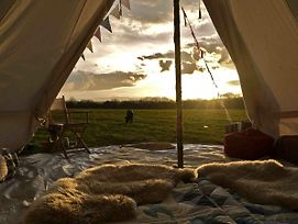 Hippie Hippie Shake Bell Tent - Hang Out Zone photos Exterior