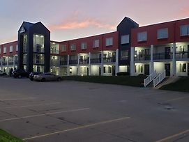 Days Inn By Wyndham Des Moines-West Clive photos Exterior