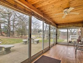 New! Cozy Countryside Home - 30 Min To Pittsburgh! photos Exterior