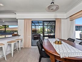 Perfect Downtown Location - Mount Maunganui Holiday Home photos Exterior