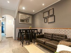 Lovely And Central 4 Bedroom Apartment photos Exterior
