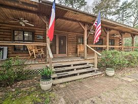 Secluded Texas Getaway W/ 25 Acres & Private Yard photos Exterior