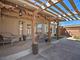 Fam-Friendly Clovis Hideaway With Yard And Pergola photos Exterior