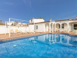 Luxury Holiday Home In Empuriabrava With Private Pool photos Exterior