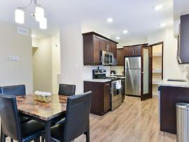 *7 Mins To Downtown* 2 Bed 2 Bath Suite 201 photos Exterior