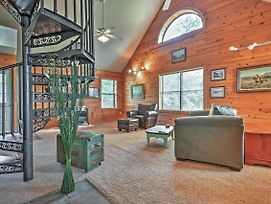 Hillside Cabin On 43 Acres W/ Private Lake & View! photos Exterior