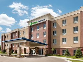 Holiday Inn Express & Suites St. Louis - Chesterfield photos Exterior