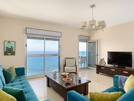 Beach Apartment - Ocean View - Parking - In Bat Yam photos Exterior