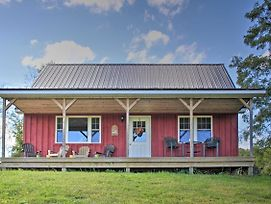 Rural Farmhouse Cabin On 150 Private Wooded Acres! photos Exterior