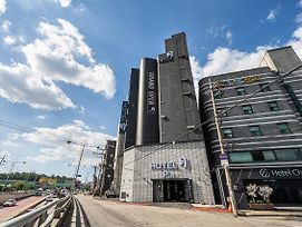 Stay Month Goyang photos Exterior