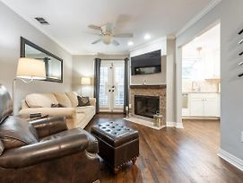 Beautifully Updated Hancock Condo - Perfect For Work From Home Or Stay-Cations photos Exterior