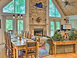 Picturesque Lake Hartwell Home With Pool And Golf Access! photos Exterior