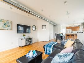 New - Renovated 2Br Loft - Steps From Metro! photos Exterior