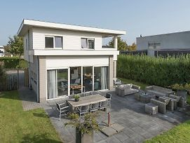 Elegant Holiday Home In Zeewolde With Terrace photos Exterior