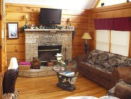 Log Cabin Close To Dollywood W/ View & Free Wi-Fi! photos Exterior