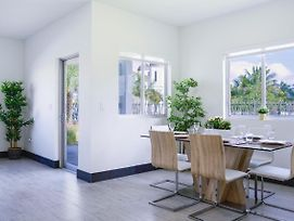 **Amazing Townhouse 8 Miles From Wynwood** photos Exterior